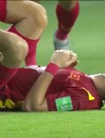 Bố tiền vệ Tuấn Anh: Con tôi nhiều lần chấn thương rồi, nhìn Indonesia đá thế thấy sợ quá