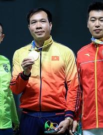 TRỰC TIẾP Olympic 2020 ngày 24/7: Hot girl cầu lông Việt Nam đối đầu tay vợt người Pháp
