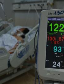 Vì sao số ca mắc ở TP.HCM chưa giảm, vẫn hơn 6.000 ca/ngày?; một tài xế có thân nhiệt cao bất thường khi đi tiêm vắc xin ở Hà Nội, bỏ về quê thì phát hiện dương tính