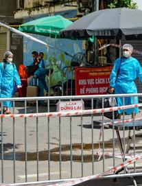 Hà Nội ghi nhận 1 ca nghi mắc Covid-19 ngoài cộng đồng ở Long Biên. Một quận ở TP HCM tính cho người dân đi chợ từ 22/9
