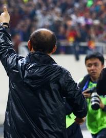 """""""Canh bạc lớn"""" đánh cùng người Thái, thầy Park nắm chắc mấy phần chiến thắng?"""