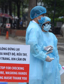 Bộ Y tế yêu cầu làm xét nghiệm Covid-19 cho toàn bộ nhân viên y tế và bệnh nhân tại BV Bạch Mai