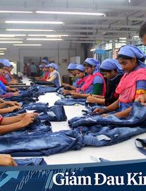 """Lao động ngành công nghiệp thời trang bị lãng quên vì đại dịch Covid-19: """"Chúng tôi quả thật trắng tay rồi"""""""