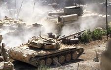 """NÓNG: QĐ Syria """"phát hoảng"""" với con số thương vong, xe tăng ùn ùn kéo về Idlib tăng viện"""