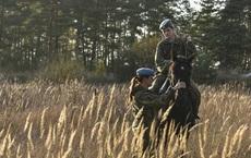 """Nữ binh Nga trong chùm ảnh đầy bản lĩnh trên lưng ngựa: Ai nói kỵ binh đã """"hết thời""""?"""