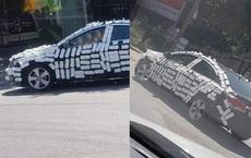 """Đỗ ô tô trước cửa hàng, khi quay lại, tài xế """"choáng váng"""" vì cảnh phản cảm trên xe"""