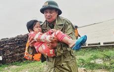 GĐ BV Bắc Quảng Bình: Không thể mổ ngay cho bệnh nhi gãy tay ở vùng lũ vì sưng rất lớn