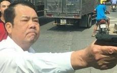 Giám đốc chĩa súng dọa bắn tài xế sau va chạm giao thông hầu tòa