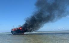 Cháy tàu trên biển Cù Lao Chàm, 18 hành khách và nhân viên thoát chết