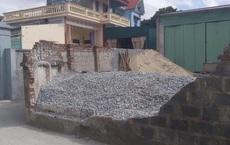 Nữ sinh lớp 6 ở Thái Bình bị tường bao đổ sập đè tử vong thương tâm khi đi học về