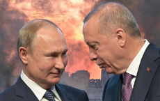 """Ông Putin """"giăng bẫy"""", mưu đồ kéo Thổ Nhĩ Kỳ ra khỏi NATO: Không dễ!"""