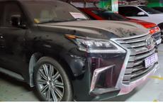 Xe Lexus biển xanh 80A bị khóa bánh ở Tân Sơn Nhất: Biển số đã được tháo