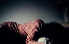 Nữ sinh lớp 10 uống thuốc tự tử ở nhà trọ, thầy giáo đã có gia đình nhận sai