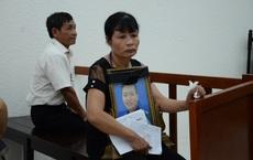 Nỗi đau mất con của người mẹ và sự vô tâm của gia đình 2 kẻ giết hại nam sinh chạy Grab, cướp tài sản