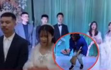 Tình huống tréo ngoe xảy ra ngay trong lễ cưới khiến cô dâu chú rể ngơ ngác còn hội bạn bè thì ngao ngán quay đi