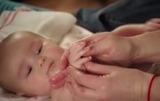 Trẻ có thông minh hay không, chỉ cần nhìn vào đôi bàn tay nhỏ bé là biết!