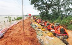 """Trung Quốc lộ điểm yếu trong lũ lụt: Mưa lớn chỉ là bài kiểm tra nhẹ, """"ác mộng"""" thật sự sắp bắt đầu"""