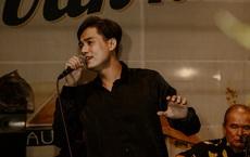 Ca sĩ Bảo Đăng và cú sốc: Thủ khoa Nhạc viện đi hát, khán giả đuổi xuống khỏi sân khấu