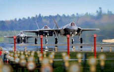Siêu tiêm kích tàng hình F-35 Mỹ có thể nổ tung vì sét đánh!