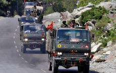 """Trung-Ấn lui quân: Bắc Kinh vẫn xem Ấn Độ là phe gây rối, binh lính nín thở chờ """"bóp cò""""?"""