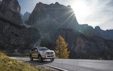 Mạnh tay giảm 200 triệu đồng, Ford Everest đang có mức giá thấp chưa từng có