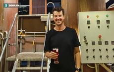 Người đàn ông bỏ đất Mỹ sang Việt Nam… bán bia chỉ sau 3 ngày suy nghĩ