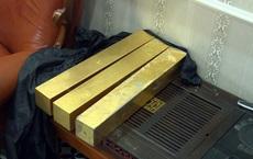 """Bên trong căn hầm chứa hàng chục tấn vàng giả của """"nhà ngoại cảm"""" lừa đảo chiếm đoạt tiền tỷ"""