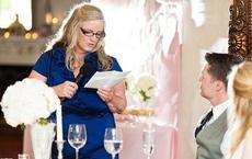 """Sau bài phát biểu trong đám cưới con gái, mẹ cô dâu bị """"mời"""" ra ngoài lập tức"""