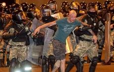 EU trừng phạt  - Biểu tình lan rộng: Tổng thống Belarus điện đàm với Putin