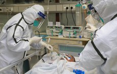 13 bệnh nhân COVID-19 rất nặng và nguy kịch