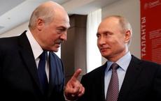 Bloomberg: Ông Putin đã rất bất ngờ trước quy mô của các cuộc biểu tình rung chuyển Belarus
