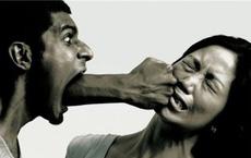 """4 """"tai họa"""" sẽ ập xuống bất cứ gia đình nào nếu người chồng đối xử tệ bạc với vợ: Đáng ngẫm!"""