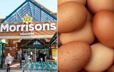 """Đi mua hàng, khách hàng bất ngờ phát hiện món """"trứng ướt"""" được bày bán, siêu thị nói gì?"""