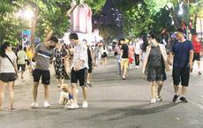 Dự thảo quản lý phố đi bộ Hồ Gươm: Hà Nội yêu cầu ăn mặc lịch sự, cấm nói tục