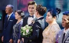 4 năm yêu không tỏ tình, cưới chẳng cầu hôn và hôn lễ lấy nước mắt của cặp đôi điển trai