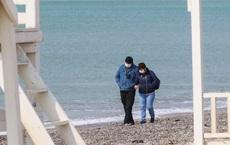 """Người đàn ông ở Crimea tự nhận """"rất yêu Ukraine"""" nhưng không dám rời bán đảo: Lí do là gì?"""