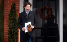 """Ông Biden giáng ngay """"đòn đau"""" với Canada trong ngày đầu nhậm chức, Thủ tướng Trudeau thốt lên cay đắng"""