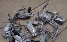 Cả trăm chiếc drone đâm vào tòa nhà khi đang biểu diễn, dân mạng lại nghi ngờ 'Made in China'