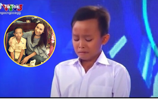 """Tiếng khóc thút thít của Hồ Văn Cường trên sân khấu: Khoảnh khắc """"bén"""" mối lương duyên với mẹ nuôi Phi Nhung"""