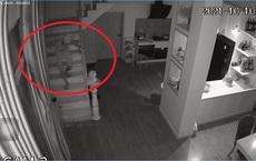 Clip: Tên trộm dùng khẩu trang che camera an ninh, lẻn vào cuỗm nhiều tiền, vàng của gia chủ