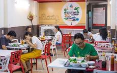 """[NÓNG] Hà Nội cho nhà hàng, quán ăn, xe buýt, taxi hoạt động trở lại từ mai. Phát hiện """"ổ dịch"""" cộng đồng qua xét nghiệm trước tiêm chủng"""
