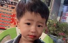 Bé trai 2 tuổi mất tích bí ẩn khi chơi trước sân nhà