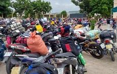 Hình ảnh lao động Việt về quê thổi bùng nỗi lo thiếu nhân công ở phương Tây