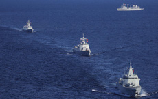"""Lần đầu tiên đoàn 10 chiến hạm Nga-Trung ồ ạt kéo qua eo biển Nhật: Chi tiết làm Tokyo """"chết lặng"""""""