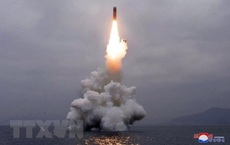 """Nhật Bản và Hàn Quốc lại """"sôi sục"""" với Triều Tiên bởi vụ phóng tên lửa"""