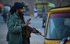 Taliban khen ngợi những kẻ đánh bom liều chết, tặng tiền cho thân nhân