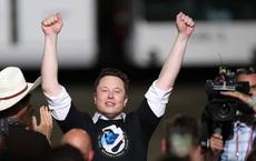 Elon Musk đang là số 1 về mọi thứ: Là người giàu nhất hành tinh, sở hữu 2 công ty, 1 là nhà sản xuất xe điện lớn nhất, 1 là công ty hàng không vũ trụ giá trị nhất thế giới