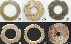 Ngọc bích vốn biểu thị điềm lành, vì sao riêng loại ngọc bích này thường tìm thấy ở nơi tai ương?