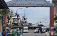 Phong tỏa công ty xăng dầu lớn nhất TP Vũng Tàu, giám đốc bị dẫn đi