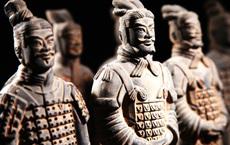 """Cặp đôi du lịch làm cả Trung Quốc khốn đốn: 10 tỉnh bùng COVID-19, Bắc Kinh """"thủng lưới"""""""